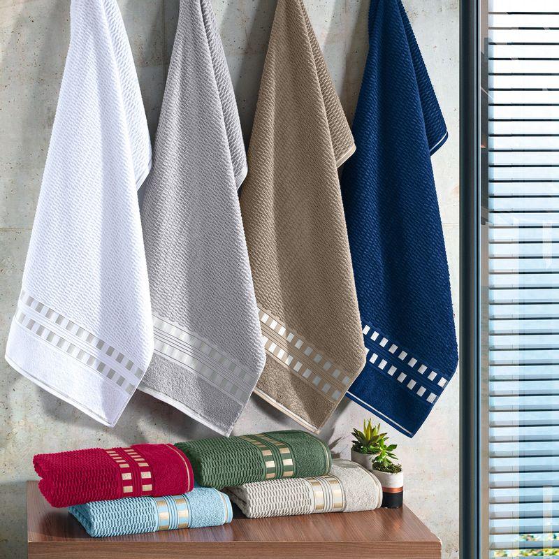 toalha-de-banho-em-algodao-70x140cm-buettner-donata-cor-palha-com-barra-dourada-vitrine
