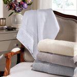 toalha-de-banho-gigante-com-renda-81x150cm-em-algodao-egipcio-500gr-buettner-camille-vitrine