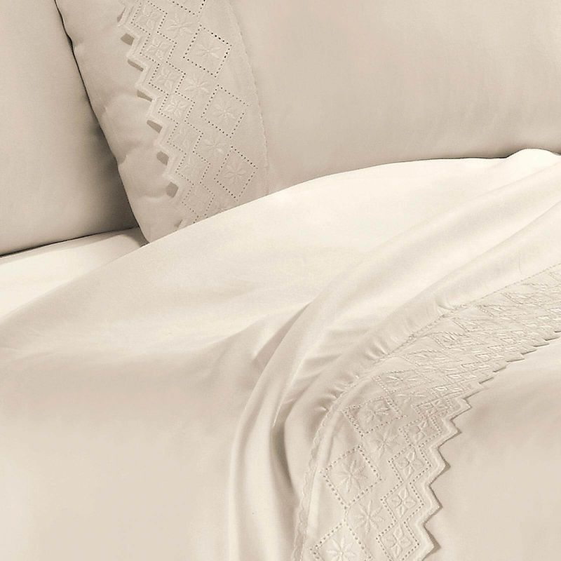 jogo-de-cama-queen-size-4-pecas-em-poliester-com-renda-buettner-lorenzo-cor-perola-detalhe