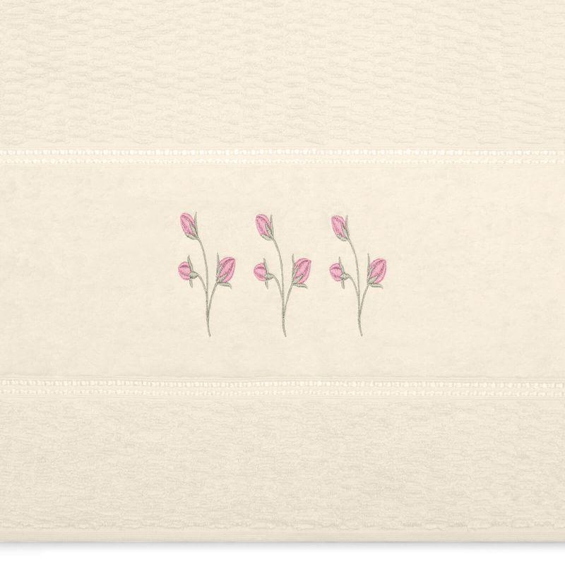 jogo-de-toalhas-5-pecas-em-algodao-460-gramas-com-bordado-buettner-emily-cor-perola-detalhe