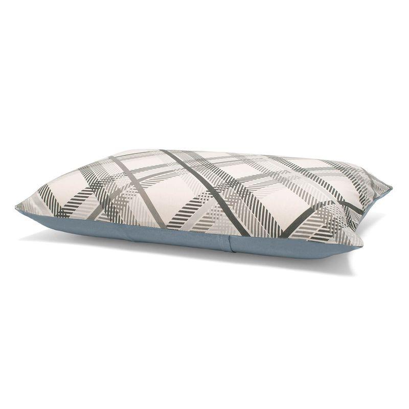 fronha-avulsa-estampada-em-algodao-45x70cm-buettner-basic-charles-cinza-detalhe