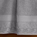 jogo-de-toalhas-5-pecas-em-algodao-500-gramas-por-metro-quadrado-e-aplicacao-de-renda-buettner-flora-cinza-detalhe